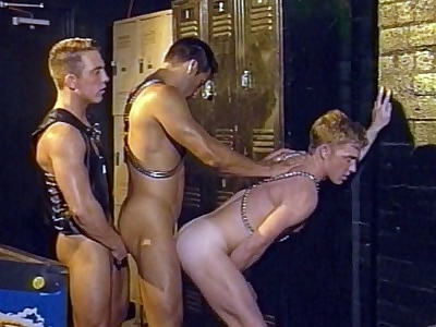 Hot Gay 3some Bottoming