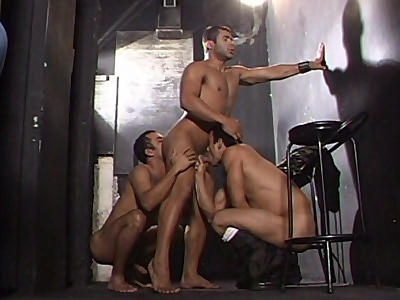 Cock Sharing Gay Threesome